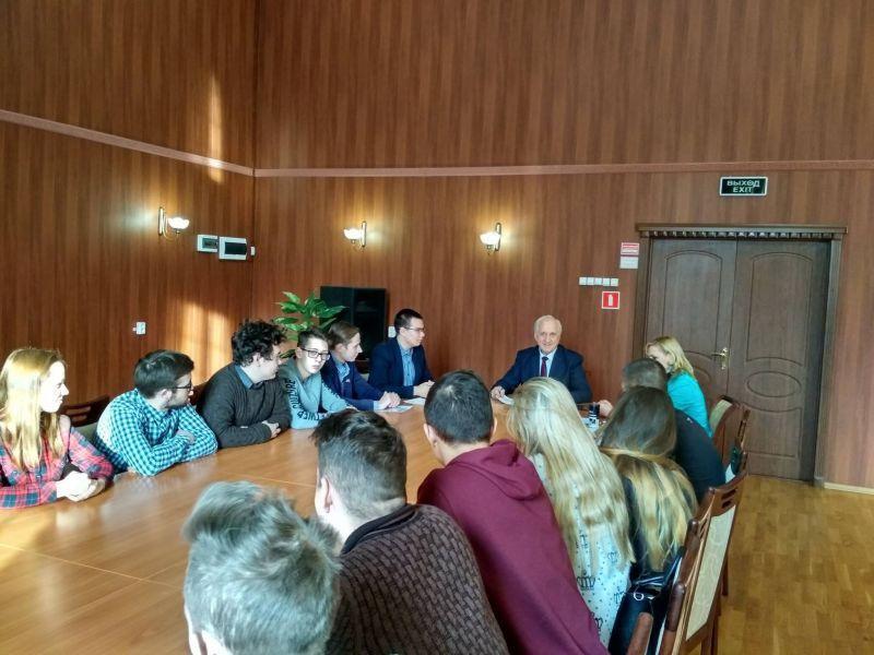 Директор колледжа Алексей Алексеевич Судленков встретился с активом Студенческого совета МЦК-ЧЭМК